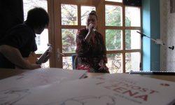 Umjetnost i žena – Pjenušac za ručak, Vinska mušica