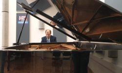 Kultura u doba korone – koncert izv.prof.art. Konstantina Krasnitskog u Velikom studiju Radio Osijeka